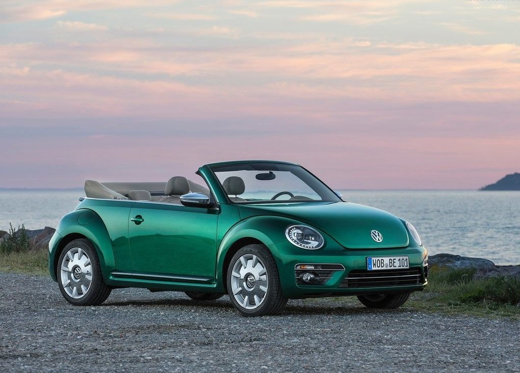 2019 VW Beetle Convertible Angular Front View