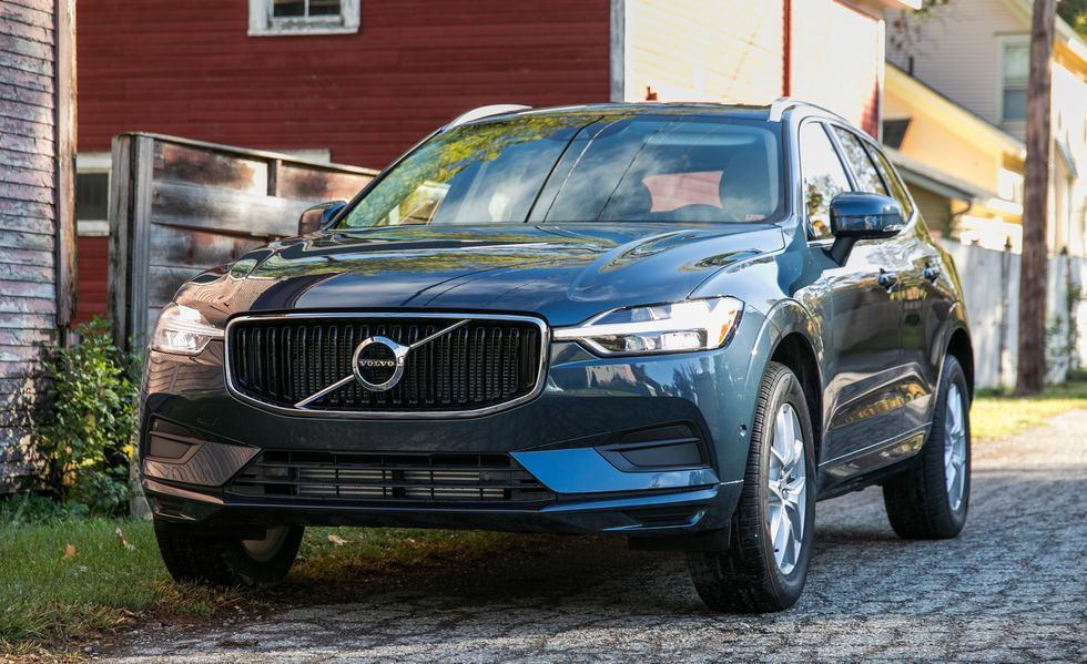 2020 Volvo XC60 Front view