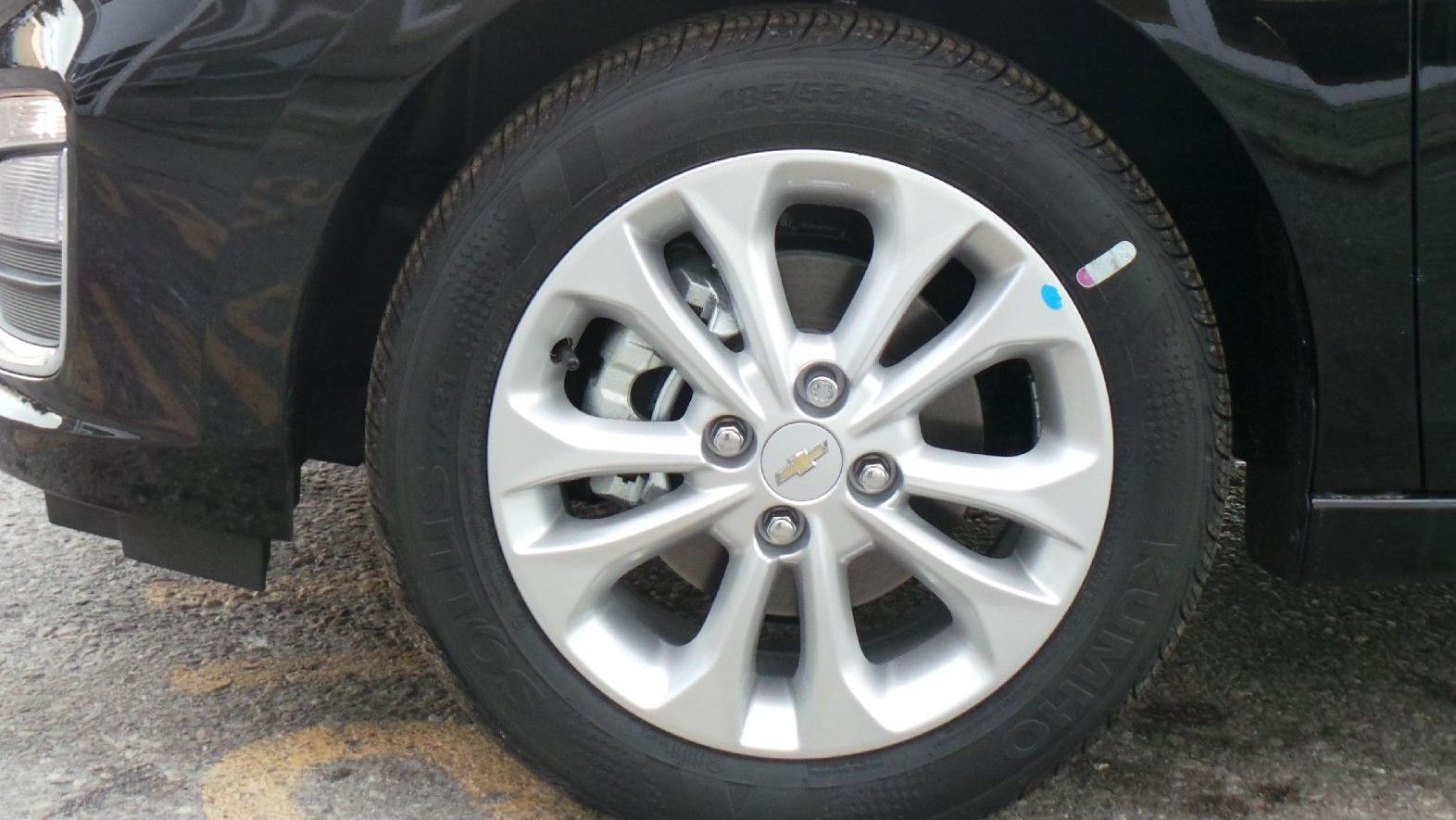 2019 chevrolet spark silver alloy wheel with brake rotor