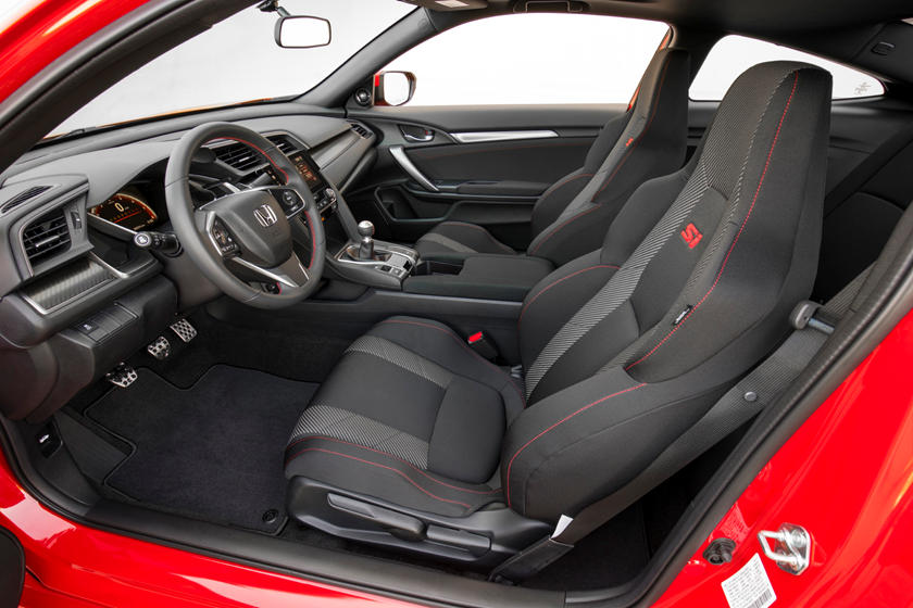 2019 Honda Civic Si coupe front seat
