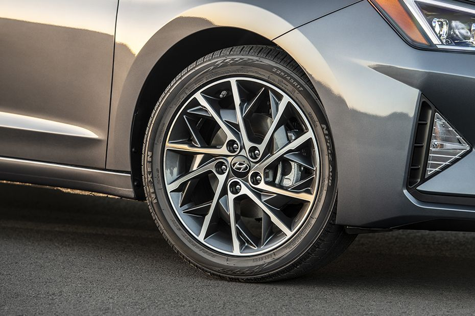 2019 Hyundai Elantra Brakes and Alloys