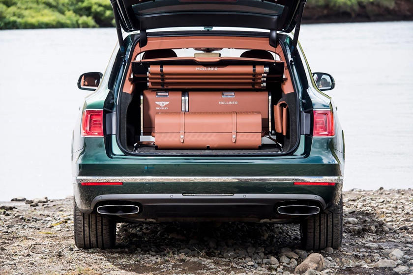2019 Bentley Bentayga cargo space