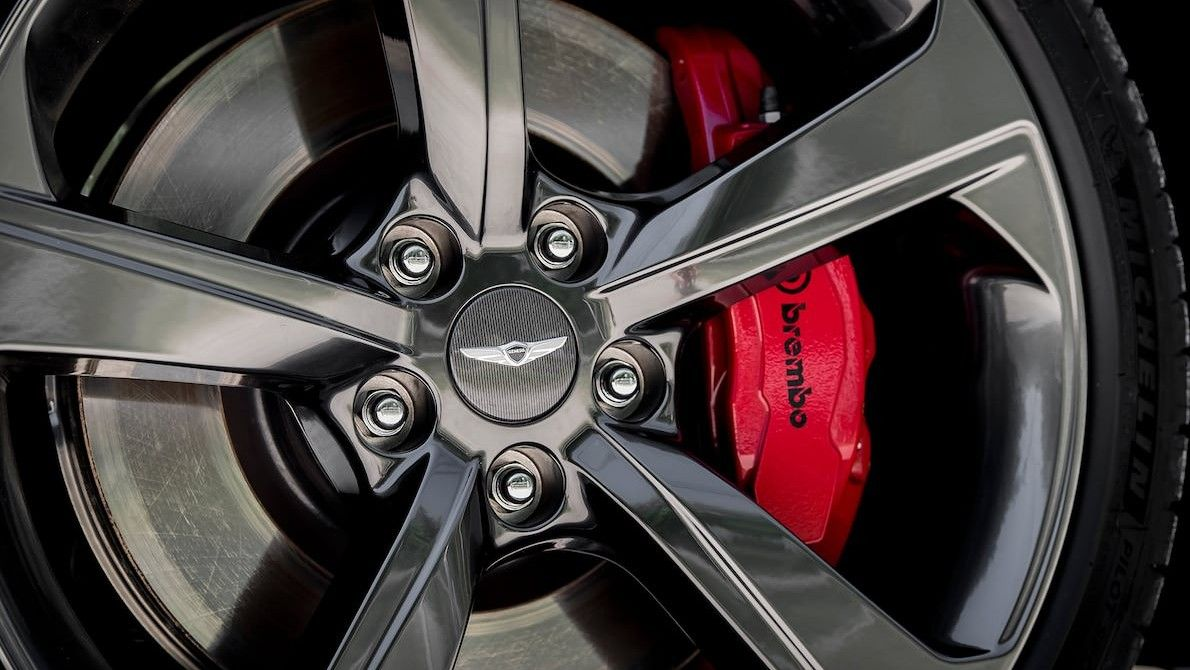 Red Brembo Brake Callipers Genesis G70