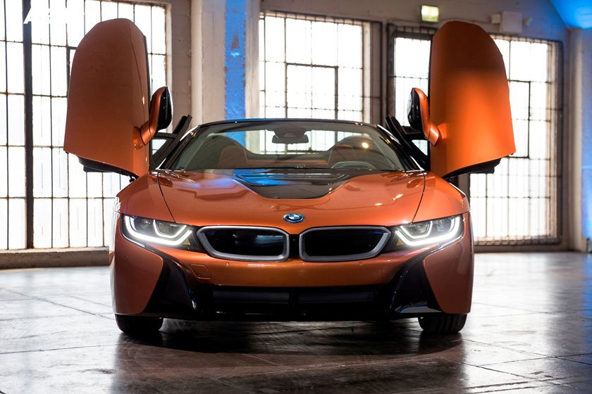 2020 BMW i8 front view