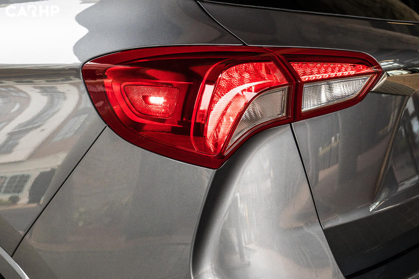 2020 Buick Envision taillight