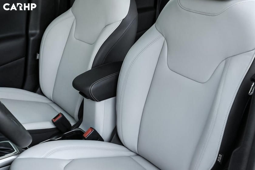 2020 Jeep Renegade front seat