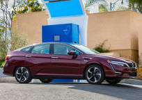 2017 Honda Clarity Fuel Cell's exterior image