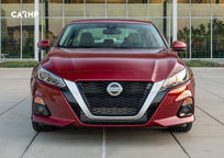 2020 Nissan Altima Front View