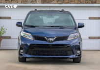 2019 Toyota Sienna Front View