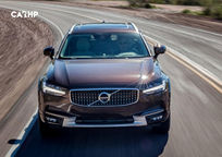 2019 Volvo V90 Cross Country Wagon Front View