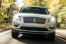 2020 Lincoln MKC Front Seats